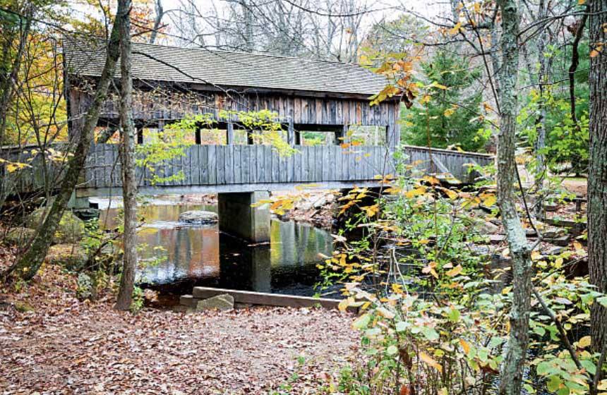 Covered bridge Devil's Hopyard
