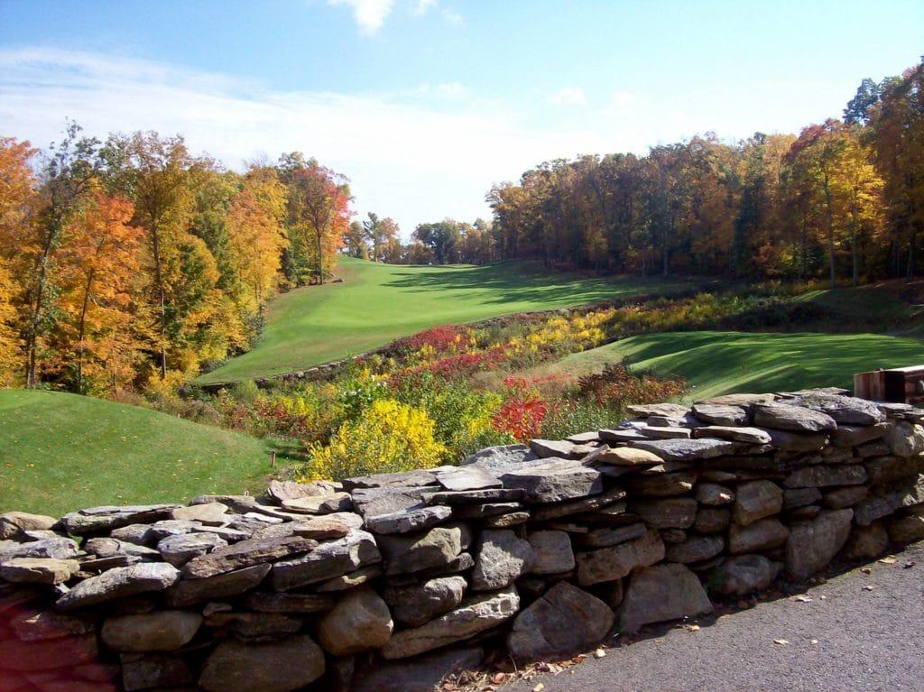 Fox Hopyard Golf Course - rock wall