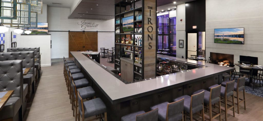 review of the restaurant at The Irons at Mystic Hilton