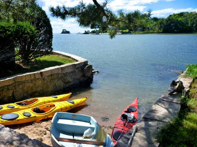 Thimble Island Bed & Breakfast - Outdoor Beach Launch for Kayaks